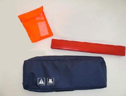 Paquete de seguridad para asistencia en carretera Producto comercial, 1 triángulo de emergencia, 1 chaleco reflectante en bolsa de tela