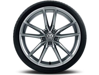 Rueda completa para verano 225/40 R18 92Y/ZR XL, Pirelli PZero Nero GT, Pretoria, plata esterlina