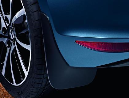 Faldón guardabarros delantero, modelos GTI/GTD/GTE y para EE. UU.