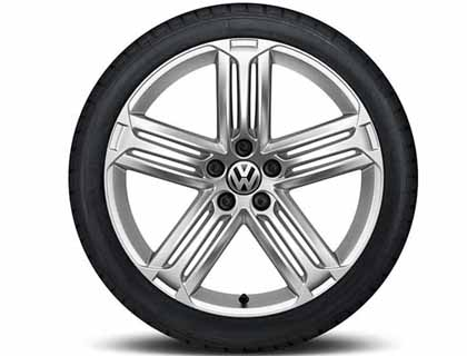 Rueda completa para verano 225/40 ZR18 92Y/ZR XL, Pirelli PZero Nero GT, Talladega, Plata Esterlina