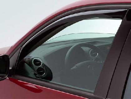 Derivabrisas de puerta delantero, insertable