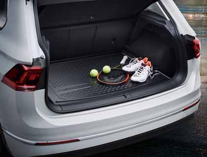 Bandeja para maletero para vehículos con superficie de carga variable