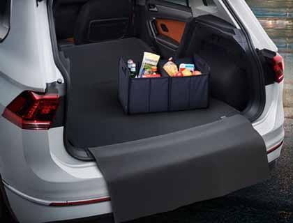 Estera reversible para el maletero para vehículos con superficie de carga variable
