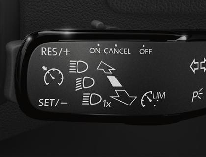 Instalación reguladora de velocidad vehículos con volante multifunción