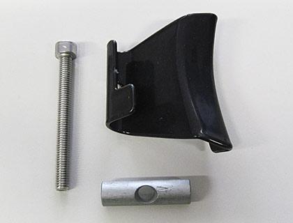 Garra de sujeción inferior izquierda, para soporte del capó del maletero