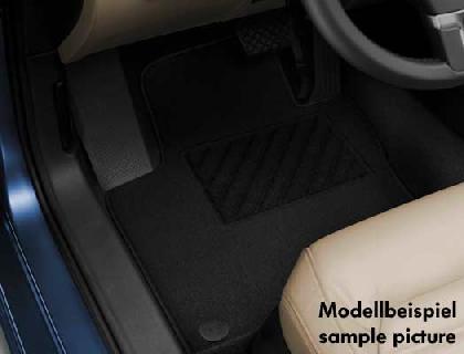 Alfombrilla textil delantera y 1.ª fila de asientos, «Plus», negro, volante a la izquierda